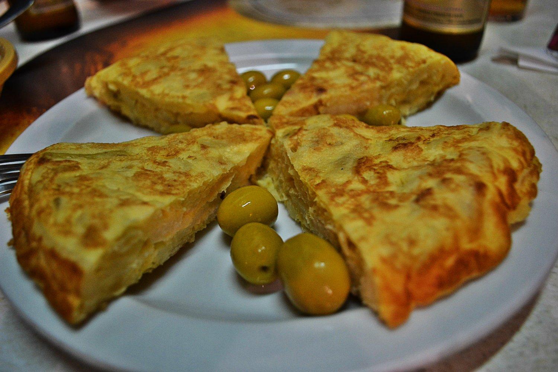 Dzień w Hiszpanii tak jak rozpoczęłam tortillą tak samo zakończyłam.